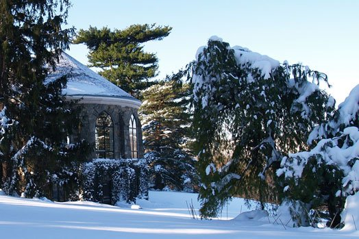 Free admission to Wave Hill garden and conservatory