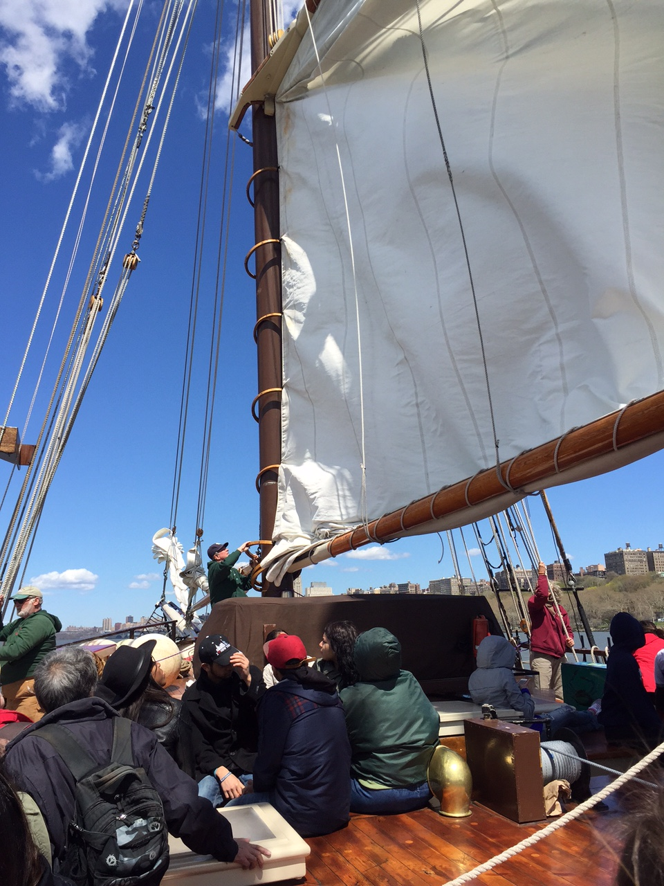Environmental Club sails the Hudson River